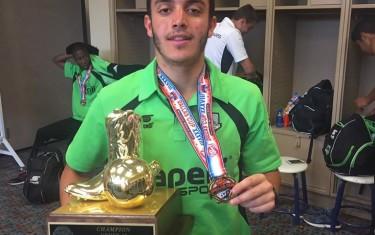 Atleta larga clube no Brasil para jogar e estudar nos Estados Unidos