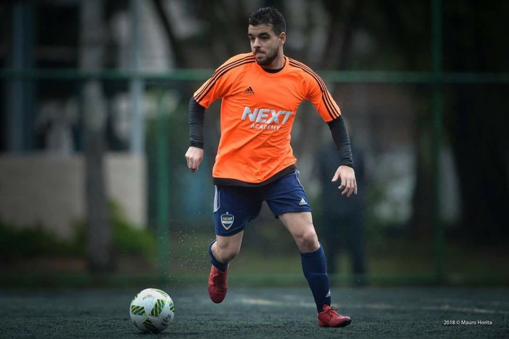 O jovem atleta em ação pela Next Academy Santos