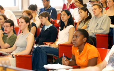 Como são os estudos em uma universidade americana?